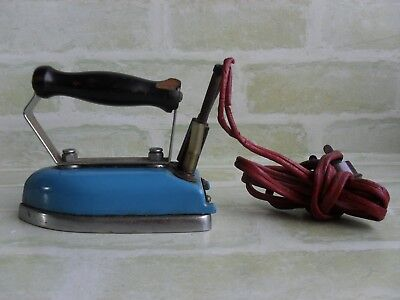 ORIGINAL ANTIQUE EARLY 50's MINI ELECTRIC TRAVEL IRON