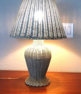 """Vintage Off White Shabby Chic Wicker table Lamp & Shade - 25"""""""