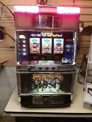 KISS Slot Machine Aruze Corp Gene Simmons Paul Stanley Ace Frehley Peter Criss
