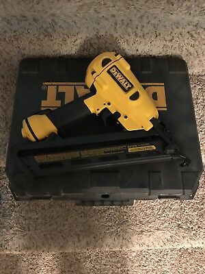 Dewalt D51275 Angled 15Ga Finish Nailer