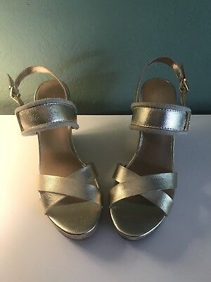 08f749ccf560e Tommy Hilfiger Women s Sz 11 Gold Wedges Sandals Shoes Strappy