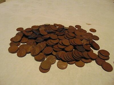 Pennies Wheat  300 , 1910-1958. Mixed Mint Marks