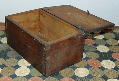 EARLY ANTIQUE C1830 Lidded Box DOVETAILED Wooden