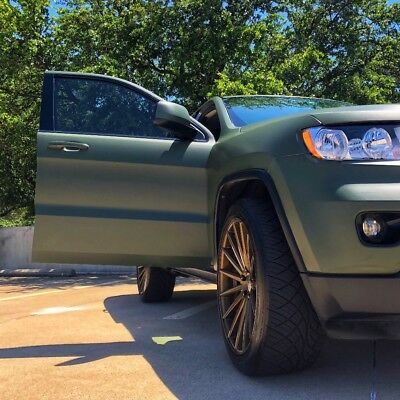 2013 Jeep Cherokee Laredo Matte Green 2013 Jeep Grand Cherokee Laredo V6 with tons of extras