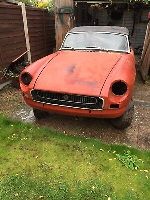 MGB Roaster 1972  for restoration one Former Keeper spares or repair