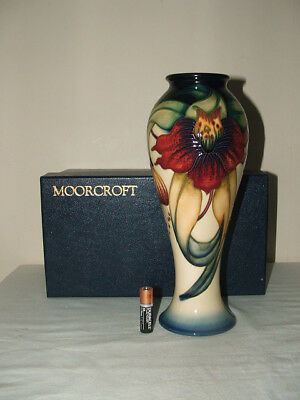 Moorcroft 1 St Class Anna Lily Large Superb Shaped Vase & Box  Rare & Fabulous