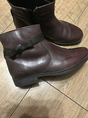 Girls CLARKS Brown Leather Boots, 2F, IMMACULATE Worn Once