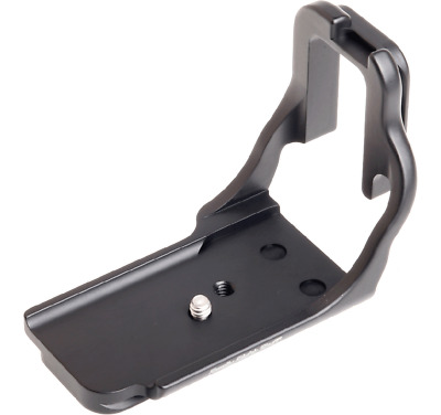 Really Right Stuff (RRS) B10DL: L-Plate Bracket for Canon 10D Camera