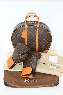 NEW! LOUIS VUITTON Karl Lagerfeld monogram boxing gloves with suitcase mat Rare