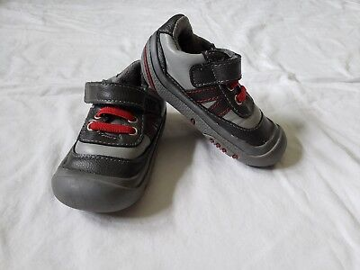 RISING STAR Boys Infant Crib Shoes Sneakers Gray Red Sz 5
