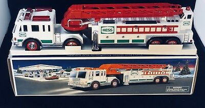 2000 Hess Toy Ladder Fire Truck - Original Box - Exceptional Condition
