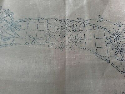 Vintage Tray cloth to embroider - Floral Pattern - 20 x 13.5 inches