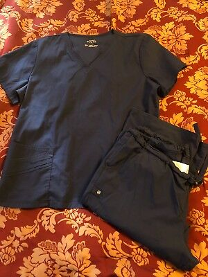 Cherokee Luxe size large womens top and pants, pants are petite Navy preowned