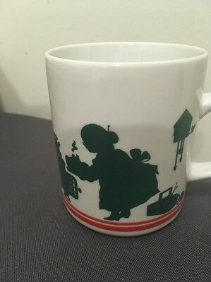Vintage AVON CHRISTMAS MUG coffee Cup 1984 Excellent Shape Green Silhouettes