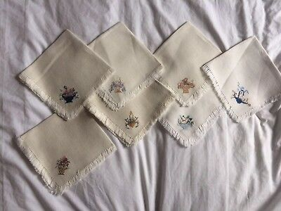 Vintage Embroidered Baskets And Flowers Matching 7 Servettes Napkins
