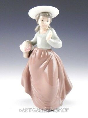 Nao Lladro Figurine GIRL WITH BASKET OF FLOWERS BONNET HAT Retired Mint