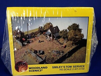 Woodland Scenics SMILEY'S TOW SERVICE S130 HO Gauge Complete Scene Kit NEW!
