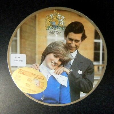 VINTAGE HUNTLEY PALMER'S ROYAL WEDDING BISCUIT TIN Charles & Diana 1981