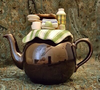 Cardew Design RETIRED Large Brown Betty Teapot Garden Picnic Excellent condition