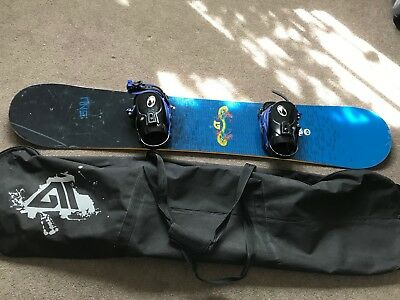 GNU blue Snowboard 156cm and bindings with black travel bag
