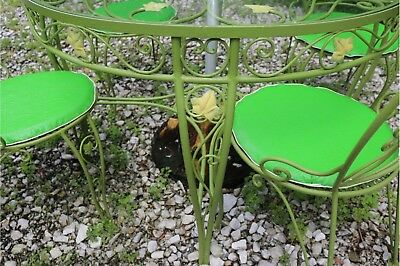 Salterini Wrought Iron Outdoor Dining Set Round Table & 4 chairs