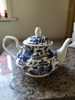 Rose Of England Teapot blue and white Asian design,Mint, Never Used. Ships free!