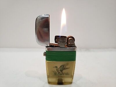 Vintage Scripto Vu Lighter w/ Insert of a Flying Duck. Sparks Well, Working Cond