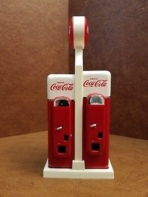 Vintage Rare Salt & Pepper Shakers 1993 Coca Cola Vending Machines In Stand