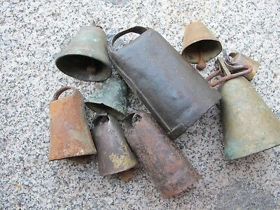 Lot of cowbells made on iron, bronce, wood and horn.