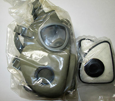CZECH UNISSUED M10 Gas Mask With Filters + Canvas shoulder Carrying Bag