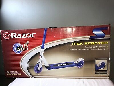 Razor A Lighted Wheel Kick Scooter Blue 103 76 Picclick