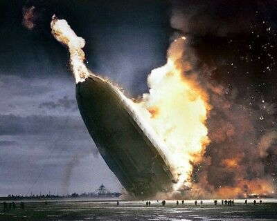 """Zeppelin Hindenburg catching fire on May 6, 1937 Crash 8""""x 10"""" Color Photo 91"""