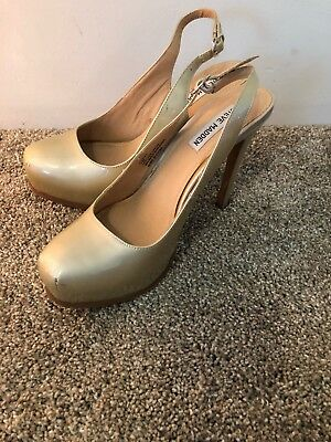 fe9869f7ebe STEVE MADDEN DARLING Fishnet Pumps Size 10 -  64.00