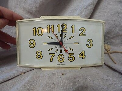 """Vintage General Electric GE Wall Clock Model 2190 8.5"""" x 4"""" 1940s/1950s"""