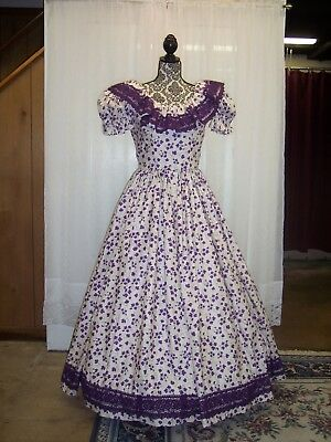 """Civil War Dy Gown of Grape Print on Ivory, with 3-1/2"""" Crochet Lace Trim"""