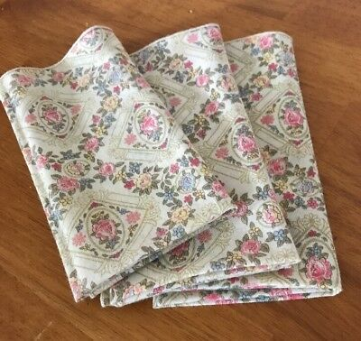 Victorian Beautiful Floral Table Cloth  Napkins 15X15in Set Of 3 EUC
