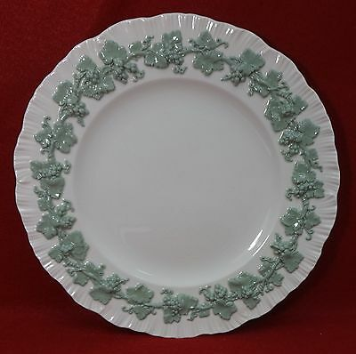 "WEDGWOOD china QUEENSWARE Celadon on Cream Shelledge Dinner Plate 10-5/8"" crazed"