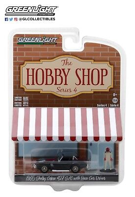 GreenLight 1/64 1965 Shelby Cobra with Race Car Driver 97040-A