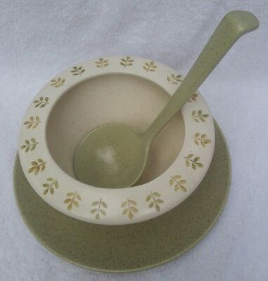 Vintage Metlox Poppytrail Pepper Tree GRAVY Boat W/Attached Underplate & Ladle