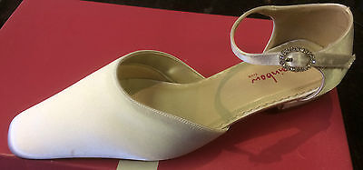 Bridesmaid Shoes White Satin size 1 by Rainbow Club