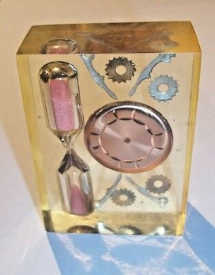 Vintage Lucite 3 Minute Hourglass Sand Timer With Embedded Watch Parts