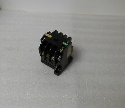 Fuji Electric Magnetic Contactor, SRC 3631-5-2, 100/110V Coil, Used, Warranty