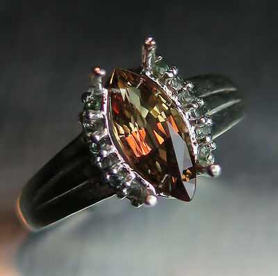 1.40cts Natural Colour change Malaya Garnet marquize Sterling 925 Silver ring