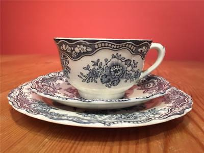 L08135 Vintage Crown Ducal Bristol Trio Cup Saucer and Side Plate  Blue & White