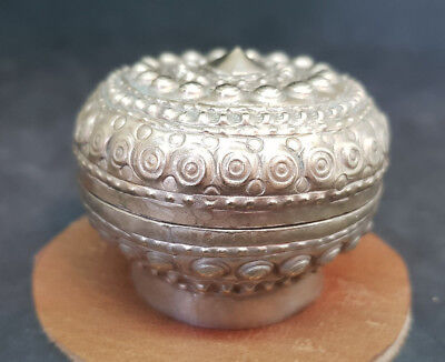 Antique Beautiful Chinese Export Solid Silver Betel Box 34.5 G.