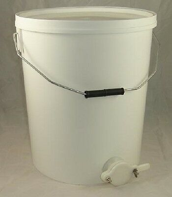 Honey Settling Tank / Bucket With Valve - 30L - Beekeeping - Honey Extraction