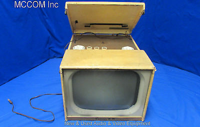 Vintage Emerson Model 1146 AC-DC Portable Television TV and Radio
