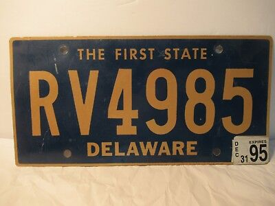 Delaware License Plate RV4985 Expired 1995 Sticker Free USA Shipping
