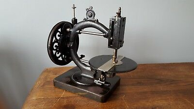 Victorian Wanzer Sewing Machine With Tensioners & Case