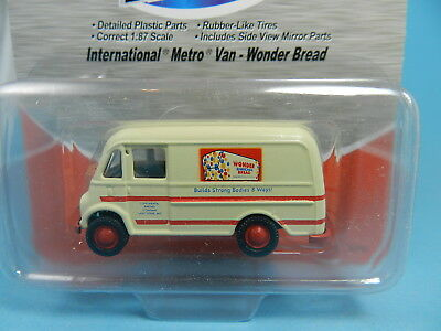 Classic Metal Works 30359 Ih Metro Delivery Truck Wonder Bread 1:87
